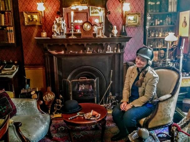 Inside of Sherlock Holmes Museum.jpg